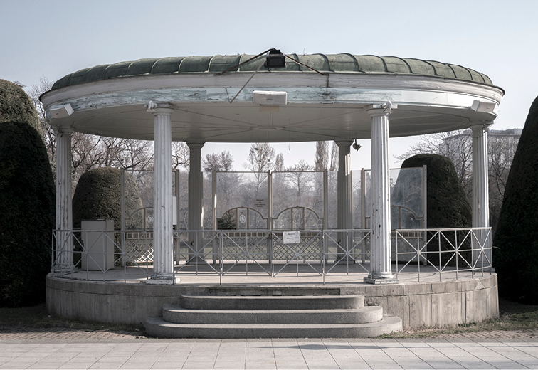 Musikpavillon vor dem Kursalon, Stadtpark, 1010 Wien. (Bild: wikimedia.org)