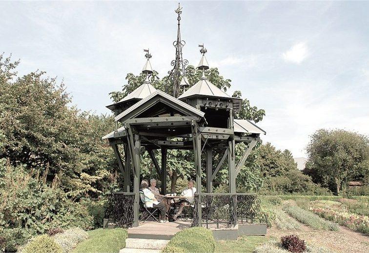 Holzpavillon der Wiener Weltausstellung 1873, seit 1999 im Schulgarten Kagran, 1220 Wien. (Bild: Johann Werfring, wienerzeitung.at)
